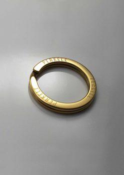 Kultainen avainrengas perkele kaiverrus