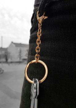 Nyckelknippa med design nyckelring i jeans