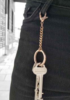 nyckelknippa rose guld nyckelkedja med design nyckelring i jeans